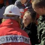 Sichtung einer Verletzten durch eine Notärztin