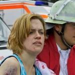 Eine Verletzte aus dem Reisebus