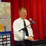 Bereichsführer Wandsbek Torsten Hansche ruft die Wahlberechtigten für die geheime Wahl auf.
