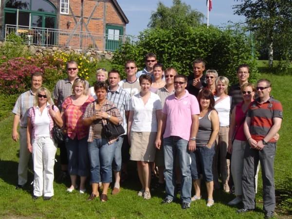 Die Teilnehmer/innen vor dem Abschlag ©K. Dabelstein