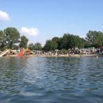 Der komplette Badestrand des Hohendeicher Sees war von Besuchern und Fans besetzt ©L. Rieck
