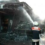 Die Flammen waren in die Dachkonstruktion hineingelaufen