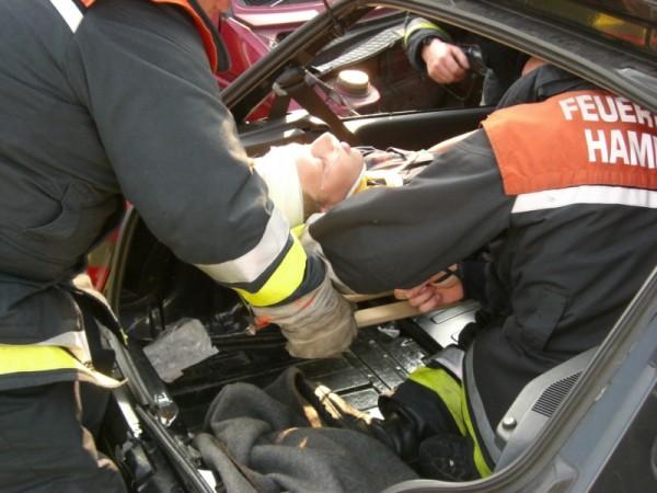 Rettung eines Patienten mittels Spineboard. ©L. Rieck