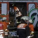Viele Verletzte mußten aus dem Zug befreit werden