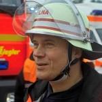 Der ärztliche Leiter Rettungsdienst der Feuerwehr Hamburg, Dr. Stefan Kappus, seine Aufgabe: die fachgerechte Bewertung der Übung