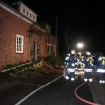 Im rechten Bereich des Hauses brach das Feuer aus. Im selben Raum kam ein Mann zu Tode, er erstickte an den giftigen Gasen. ©Christoph Leimig