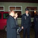 Torsten Schrader und seine Frau Anja wurden mit dem LF 16/12 abgeholt und vom Wehrführer begrüßt.
