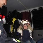 Und natürlich konnten die Kleinen die Feuerwehr- und THW-Fahrzeuge besichtigen ;-)