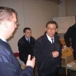 Werner Dittmer und die Lehrgangsteilnehmer bei der Nachbesprechung des Planspiels