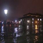 Hamburger Fischmarkt unter Wasser ©Nonstopnews.de