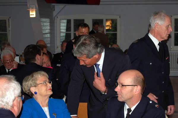 Innensenator Udo Nagel im Gespräch mit Frau Thomas