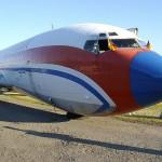 Das Übungsflugzeug des Hamburger Flughafens - das Szenario sah vor, dass das Bugfahrwerk abriss.
