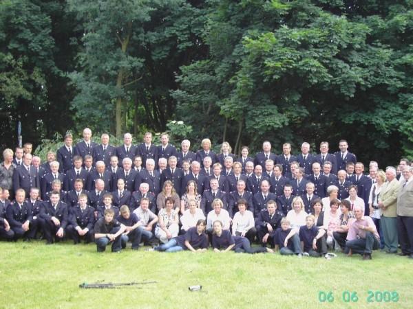 Karsten zusammen mit der FF Curslack und seinen Gästen ©F 2951