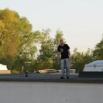Eine Person hatte sich auf das Dach gerettet