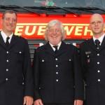 Der neue Wehrführer Armin Schack, der scheidende Wehrführer Uli Paulsen und der Wehrführervertreter Torsten Schmekal (von links)