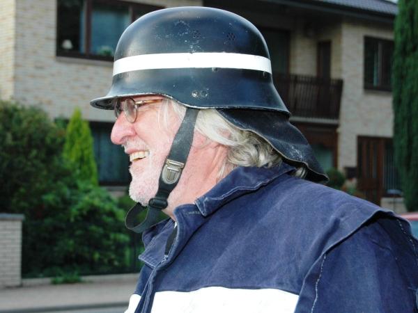 Uli Paulsen 2008 mit Schutzkleidung von 1969