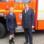 Jugendfeuerwehrwartvertreterin Yana Lübkemann mit Jens Zeyn-Kranz