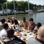 Das gemeinsame Mittagessen auf dem Ponton in der Billwerder Bucht