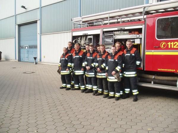 Die neu ausgebildeten Truppführer nach der erfolgreichen Abnahme (Foto: Martin Kruse - F2928).