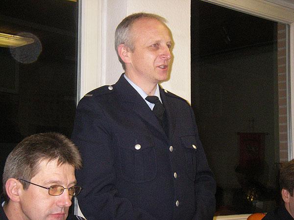 Der neue Bereichsführer Rolf Lohse nimmt die Wahl an.