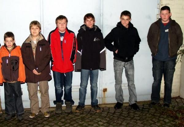 Einige der zukünftigen Mitglieder  Foto: FF-Harburg