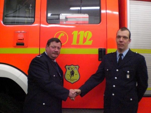 Wehrführer Jürgen Thiele (links) freut sich auf die Zusammenarbeit mit Peter Lemanski.