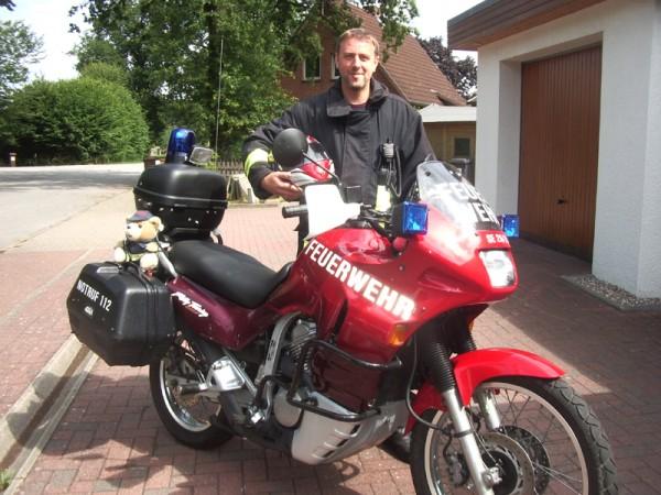 Auch im Dienst mit dem Motorrad unterwegs...