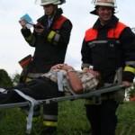 Auch Führungskräfte mussten mit anpacken :-). ©FF Neuengamme