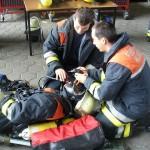 Grundübung Umstecken des Lungenautomaten zur Sicherstellung der Atemluftversorgung des verunglückten PA-Trägers