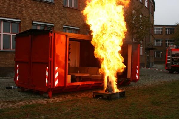Abrollbehäter mobile Brandschutzerziehung der Feuerwehr Berlin, Copyright: Silvia Darmstädter, Referentin für Presse- und Öffentlichkeitsarbeit, DFV