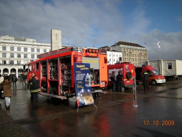 Fahrzeuge der Feuerwehr Hamburg / Foto: DF