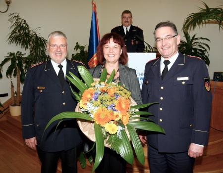 DFV-Präsident Hans-Peter Kröger (v. l.) mit Ehefrau Annette und DFV-Vizepräsident Hartmut Ziebs