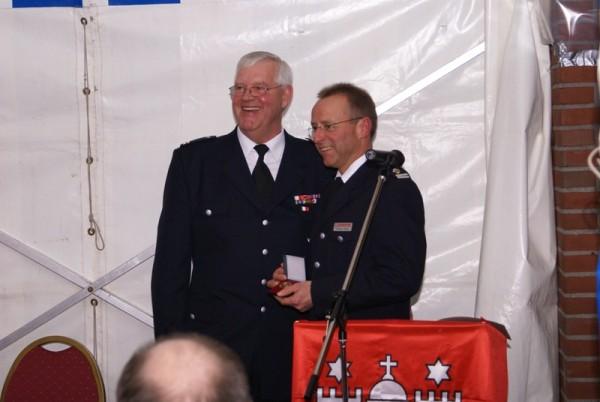 Branddirektor Andreas Kattge bei der offiziellen Ehrung