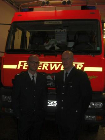 BerfV Alstertal Peter Wegemer (links) mit dem alten und neuen WF Dennis Binge