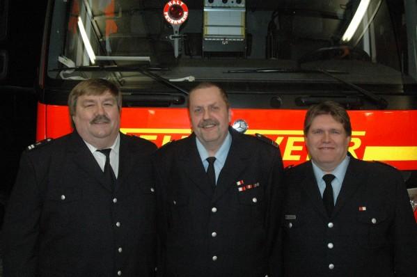 Dieter Kleemann (Mitte) mit LBF/V Andre` Wronski (links) und WF Mathias Wichmann / Foto: Sven Ritz