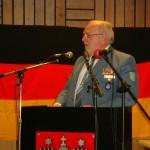 Der Beweis, dass die Kameraden in blau etwas von Humor verstehen: Landessprecher des THW Hamburg und stellv. Bundessprecher Bernd Balzer