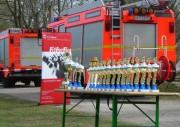 Sie wollten errungen werden: Pokale für alle Plätze und der Wanderpokal (sowie Gutscheine im Wert von 100, 200 und 300 €).