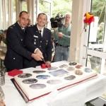 Örtliche Firmen (hier Konditorei Horn) gratulierten mit ungewöhnlichen Geschenken ©www.wendtmedia.de