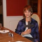 Ein Kreuz geformt aus den Stahlträgern des WTC, ein Geschenk von Will Jimeno als Dank für seine Rettung <br>© FF Stellingen<br