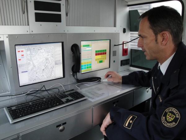 PC zur digitalen Einsatzunterstützung im ELW der Feuerwehr Reutlingen  Quelle und Copyright: Nico Oestreich, FF Hamburg-Finkenweder