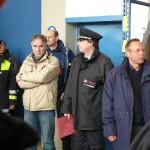 Einweisung durch (v.r.n.l.) BD Andreas Kattge, Werner Schirmer, Mitarbeiter des BBK und LBF Hermann Jonas. (c) MT