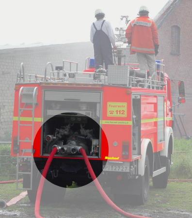 Sammelstück 4B-A an einem TLF 24/50 einer Freiwilligen Feuerwehr aus dem Landkreis Pinneberg (SH) (c) H. Lahmann, geändert durch H. de Vries
