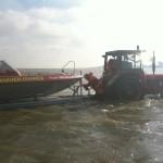 Der Einsatztraktor und das Kleinboot der FF Duhnen  Quelle und Copyright: FF Cuxhaven-Duhnen
