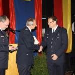 Gratulation durch WF Dieter Niemann (li.) und BerF Rolf Lohse (mi.) (c) C.Behn