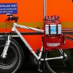 Für alle Fälle war neben dem RTW auch ein Notarzt-Einsatz-Fahrrad inkl. sportlichem Arzt vorgehalten (c) FFO
