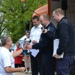 Der Vertreter der FF Oldenfelde bei der Pokalübergabe für Platz 2 (c) P. Toepfer JFO