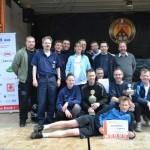 Das Siegerteam der FF Langenhorn mit Urkunde, Pokal und Gutschein (c) P. Toepfer JFO