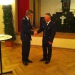 Glückwünsche und Ehrung der Feuerwehr Hamburg durch den Bereichsführer Vierlande Karsten Dabelstein