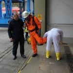 (C) Presse- und Öffentlichkeitsarbeit Gorleben GNS, Kontrolle des Messtrupps auf mögliche radioaktive Kontamination