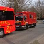 Im Hintergrund der Gerätewagen Fernmeldetechnik der Freiwilligen Feuerwehr Altona, die den Einsatzleitwagen der Feuerwehr Hamburg im Hintergrund mit Personal besetzte. (c) Sebastian Schwebe